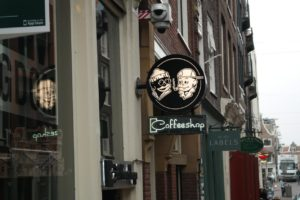 weed-smokers-coffee-shops-Amsterdam